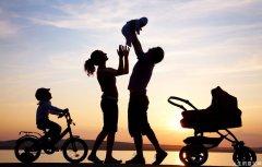 民调显示:多数美国人称家庭是生命意义所在